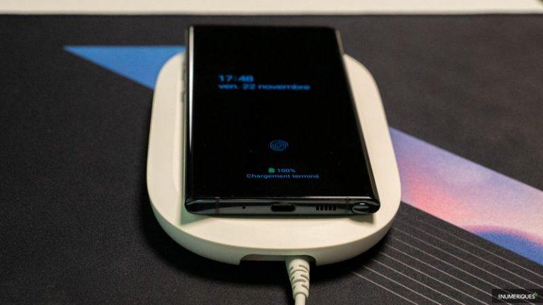 Chargeur sans fil SanDisk iXpand - Meilleur chargeur sans fil avec fonctionnalité de sauvegarde