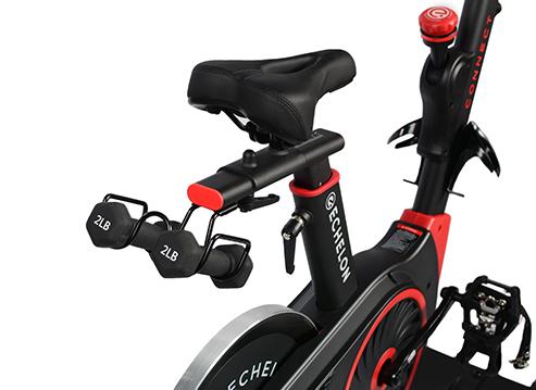 Test du vélo d'appartement Echelon EX3 Smart Connect Max : gros plan sur le cadran de résistance.